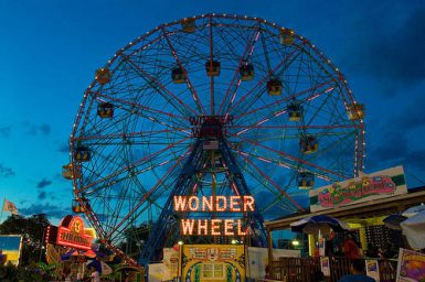 In the afternoon, we took the subway all the way to Coney Island. It was 45 minute ride (at least), but it was great to see. Of course, we had one of those famous Coney Island hotdogs, and we went on this Deno's Wonder Wheel. Around 10pm, there was a wonderful fireworks show, which I also tried to capture a bit with my camera – uploads will follow soon, hopefully.